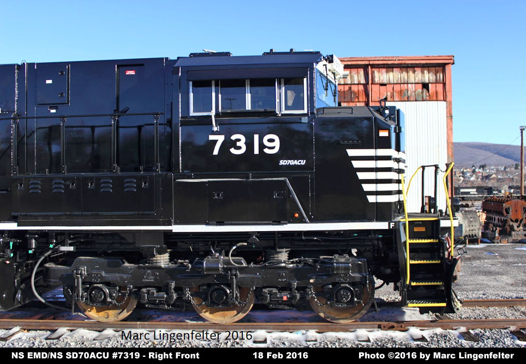EMD/NS SD70ACU #7319 .(Rebuilt by NS from former UP EMD SD9043AC #8247)